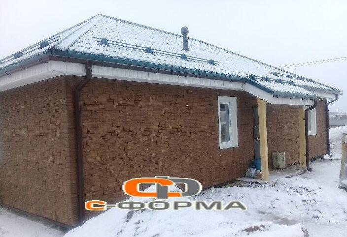 Одноэтажный дом из блоков, на фундаменте монолитная плита